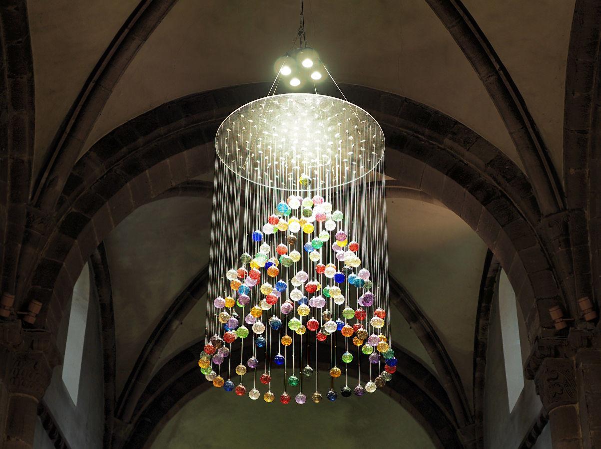 новогодняя люстра елка из шариков